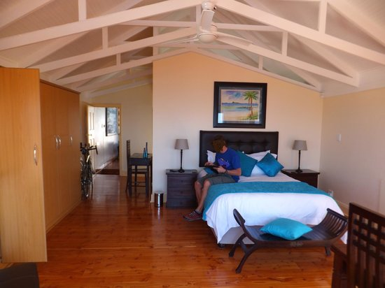 Aquamarine Guest House: Honeymoon suite bedroom