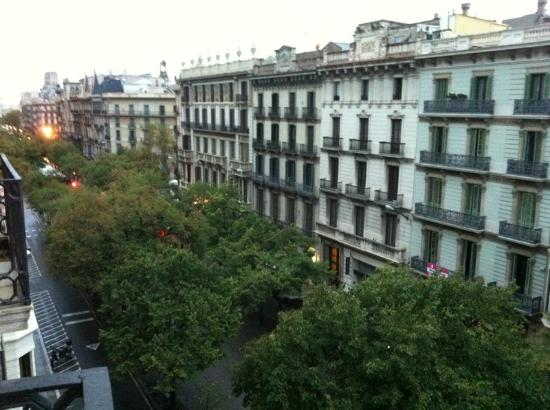 Aspasios Rambla Catalunya Suites: The view form the 3rd Floor