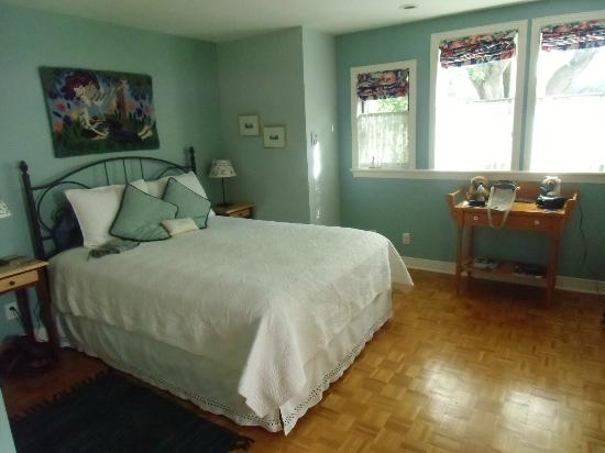 Photo of Shirley Samantha's Bed & Breakfast Ottawa
