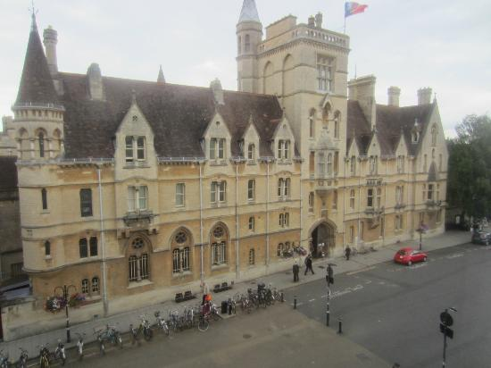 The Buttery Hotel: Oxford University