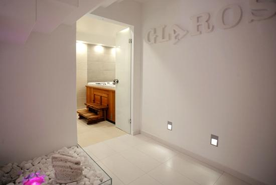 Boutique Hotel Glaros: Spa Tub