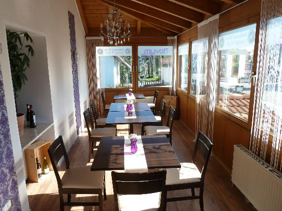 Hotel &amp; Hostel Hallbergerhof: One of 3 dining areas