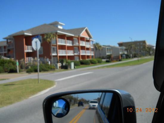 Gulfview Condominiums: Coming from the eastbound scenic 98