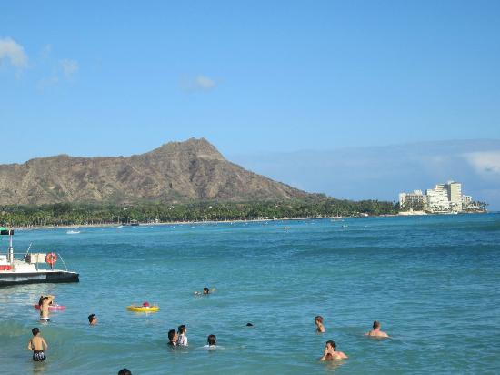 Halekulani Hotel: View from the beach