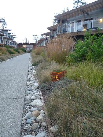 Cox Bay Beach Resort: path to suite