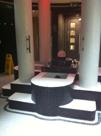 Fairlawns Hotel And Spa: foot spas and the saunas