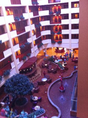 Embassy Suites Norman: Hotel