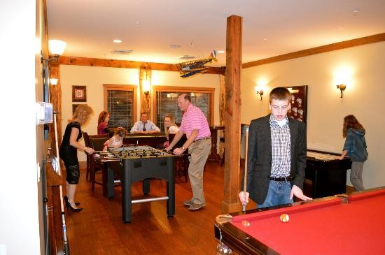 The Esmeralda Inn: Family game night!
