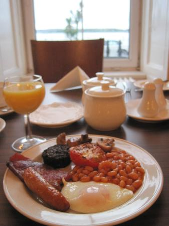 Commodore Hotel: Continental and Full Irish breakfasts available