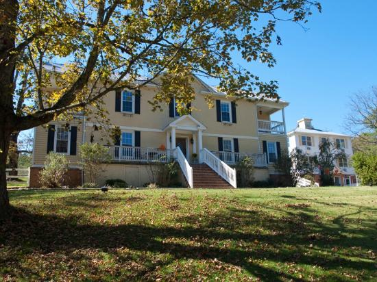Shenandoah Manor Bed & Breakfast