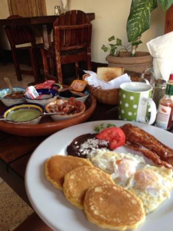 Hotel Cielo: breakfast. everything is fresh !