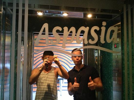 The Aspasia Phuket: Having a good time in the elevator.
