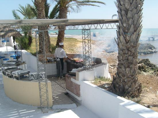 El Mouradi Djerba Menzel: BBQ area on beachfront.