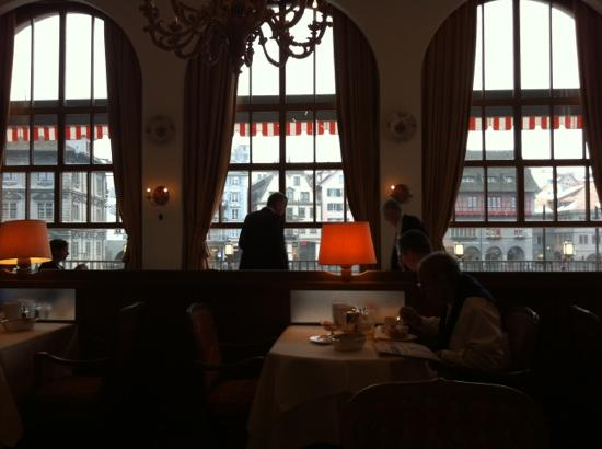 Storchen Zurich: Breakfast view