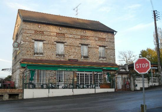 Le Chene Gris: Pub with good steak