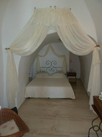 Nomikos Villas: our bedroom