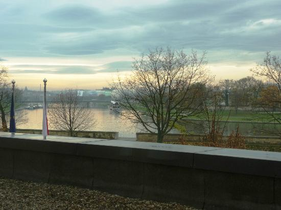 Sheraton Krakow Hotel: View of Vistula