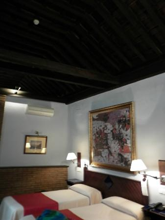 Hotel Casa del Pilar: high ceilings