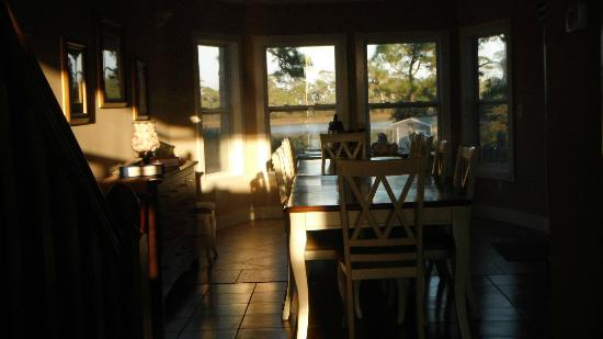 Cape San Blas Inn: Breakfast area