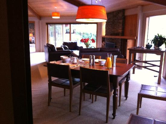River Birches Lodge: Waking up to breakfast ready and waiting