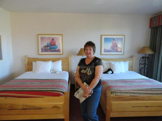 Inn at Eagle Mountain: Two Queen Bed Suite