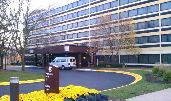 DoubleTree by Hilton Hotel Chicago - Schaumburg: Exterior