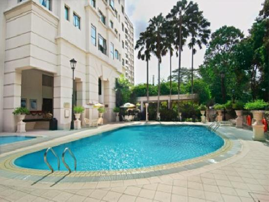 Leonie View Residences by Far East Hospitality: Leonie View Residences Swimming Pool