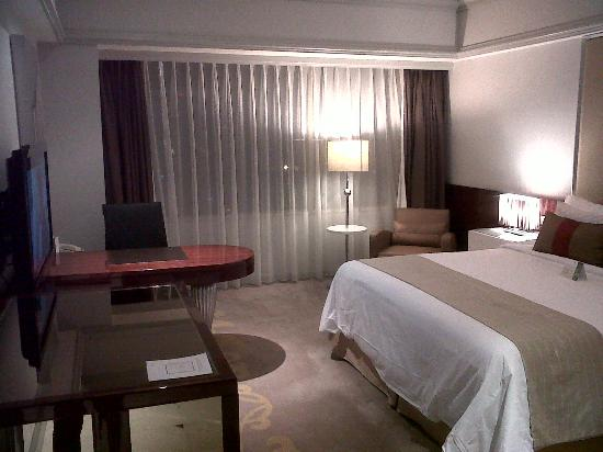The Park Lane Jakarta: the room