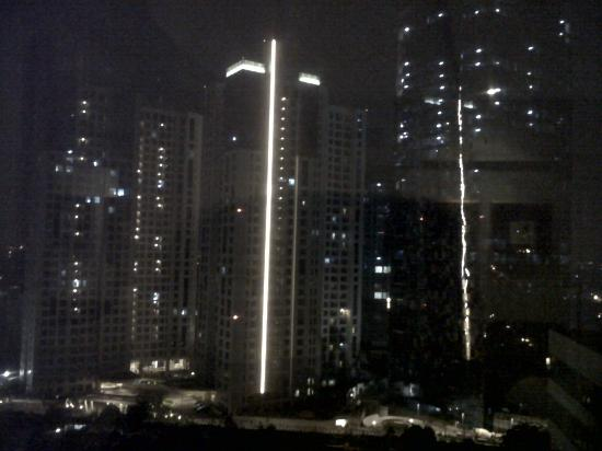 The Park Lane Jakarta: view at nigh