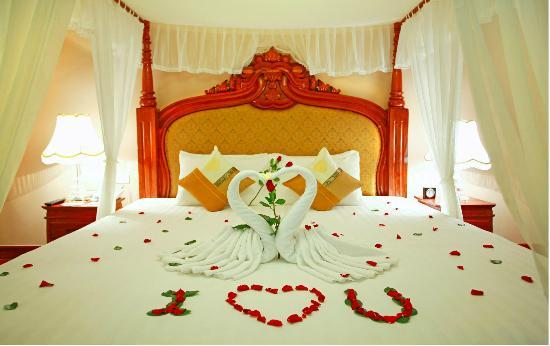 Angkor Era Hotel: Honeymoon Suite