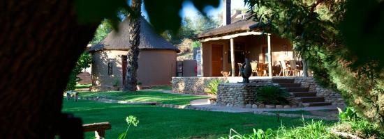 Thabile Lodge: Front view of Main House