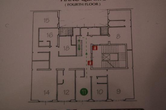 Hotel Andrea: The is the floor plan, we were in room 10 and they moved us to room 11. Note the difference in s