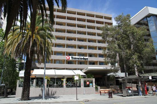 Travelodge Perth: Front