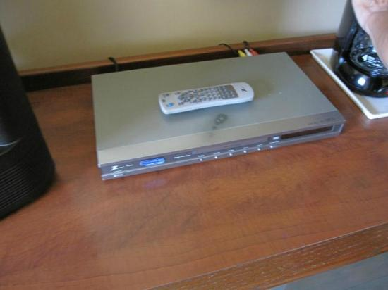 Comfort Inn & Suites: DVD movie player