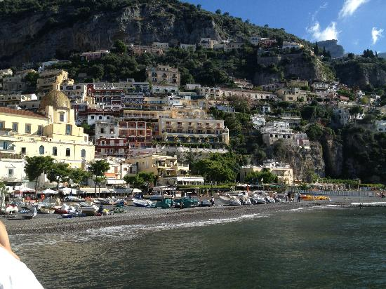 Residence La Tavolozza: View from the beach (Positano Italy)