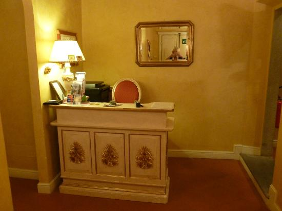 B&B Relais Tiffany: Front desk