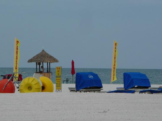 Alden Beach Resort Hotel St Petersburg: Things for rent on the beach