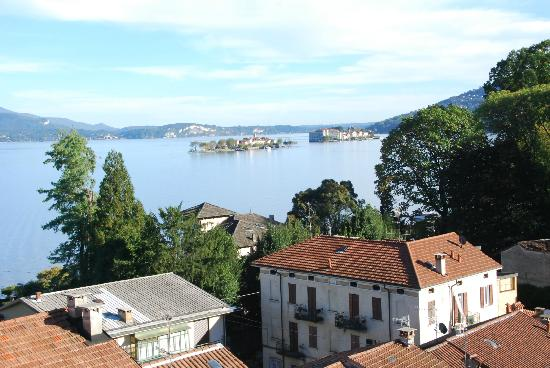 Villa Azalea: Lake Maggiore from the top floor