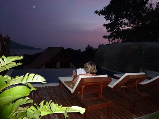 Koh Tao Heights Boutique Villas: Relaxing after sunset