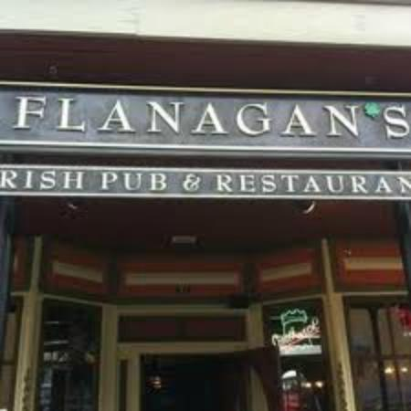 The Chateaux Deer Valley: FLANAGAN'S IRISH PUB