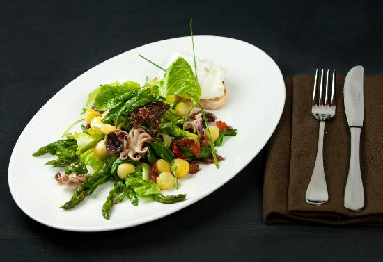 ... Photo: Salad with octopus, baby potatoes, asparagus and poached egg