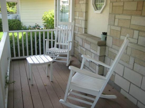 SevenOaks: Rocking chairs on the porch