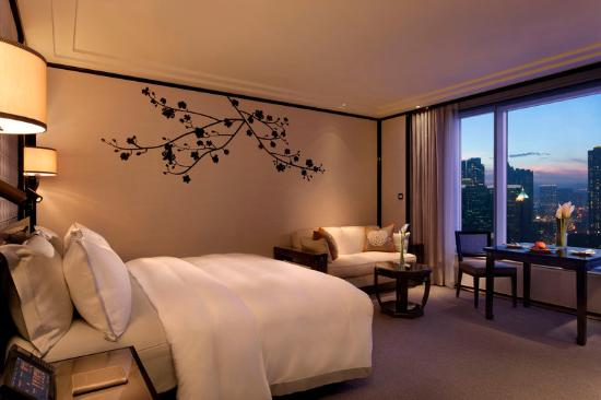 The Peninsula Hong Kong: Grand Deluxe Kowloon View Room