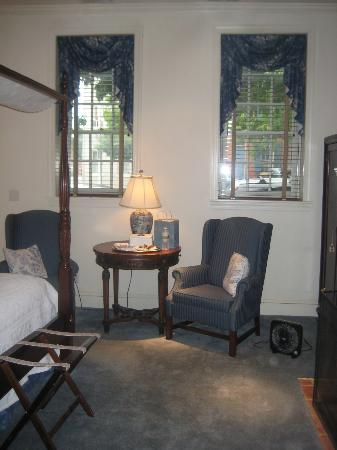 Scarborough Fair Bed & Breakfast: sitting area