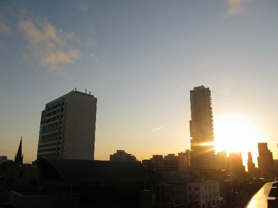 Diamant Hotel Sydney - by 8Hotels: Sydney Sunset from our Courtyard