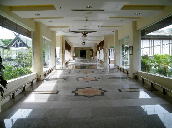 Galeria Perdana: The walkway between buildings