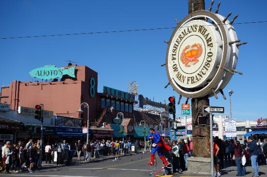 Carriage Inn: Fisherman's Wharf - SUPERMAN!