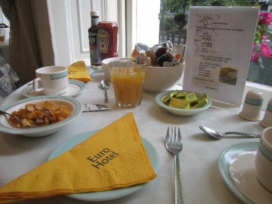 The Euro Hotel: Breakfast