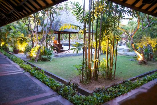 Hotel Santika Premiere Beach Resort Bali: View from Room