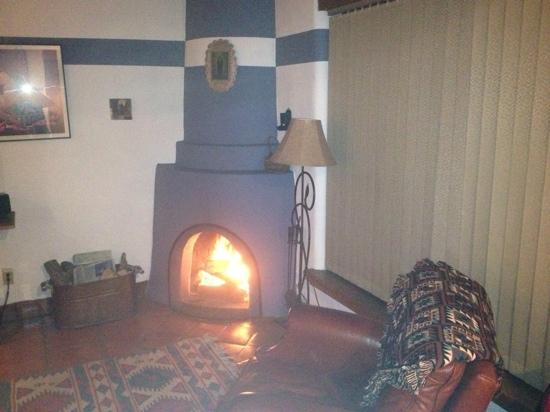 Las Brisas de Santa Fe: Kiva fireplace in Unit 19